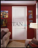 Класически модел лакирана интерирна врата в бяло с квадратни орнаменти