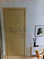 Интериорна лакирана врата в светло кафяв цвят по RAL каталог