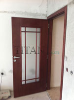 Остъклена лакирана интериорна врата