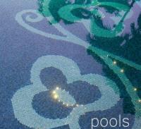 Витраж за басейн