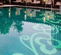 Витраж за басейни