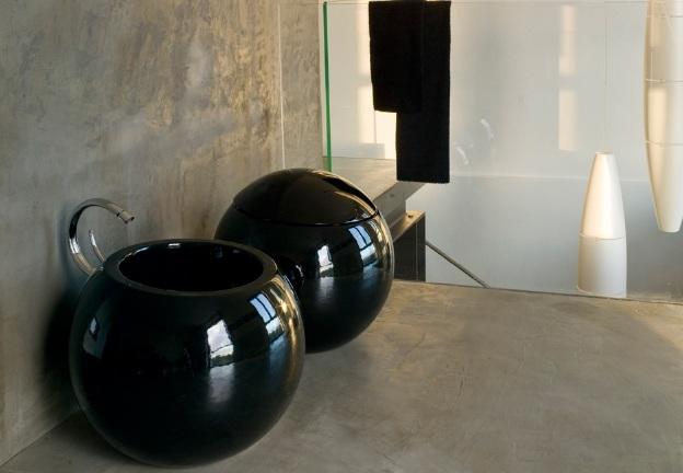 Модерно обзавеждане за баня в черно
