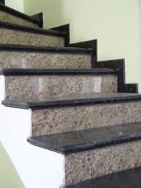 Декоративни каменни стъпала