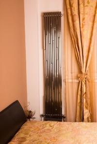 Дизайнерски радиатор кафяв