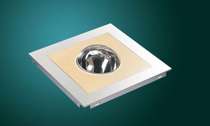 Квадратен модул с по-малък златист квадрат и сферична лампа в средата