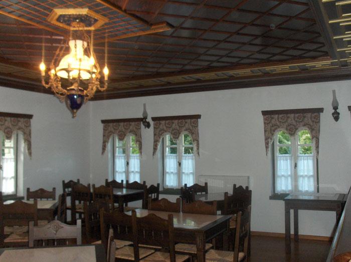 дърворезба на таван по поръчка 104-3597