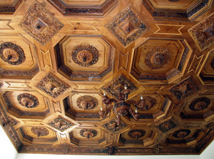дърворезба по поръчка на тавани 106-3597