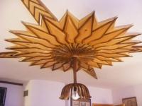 Дърворезба на таван от мура и орех