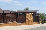изработване на дървени огради за механи и кръчми по размери на клиента