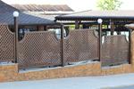 изработка за дървени пана за дървени огради за механи и кръчми