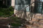 парапети за стълбища от инокс и стъкло