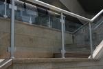 парапети за стълбища от алуминии и стъкло