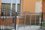 парапети за тераси от инокс и сиво стъкло