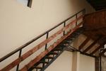 изработка на стълбище от дърво и метал