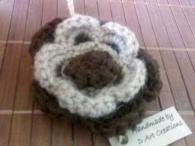 Брошка - ръчно плетена - Капучино