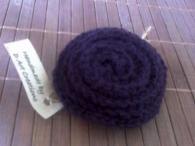 Авторска ръчно изработена брошка - тъмно лилава